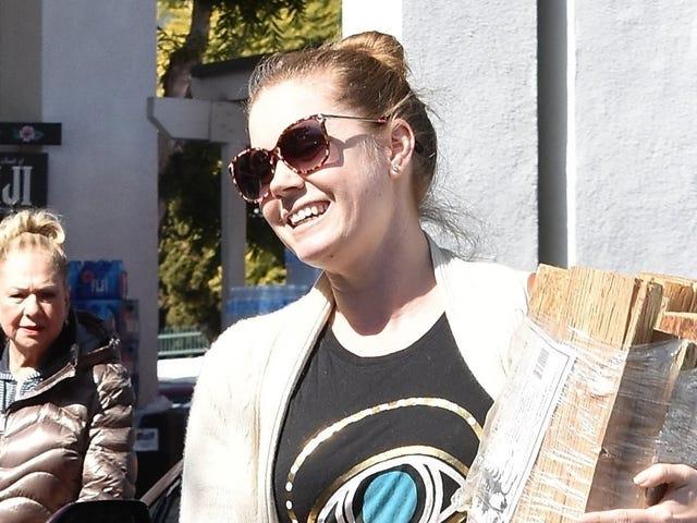 Ось 20 фотографій Емі Адамс Усміхаючись