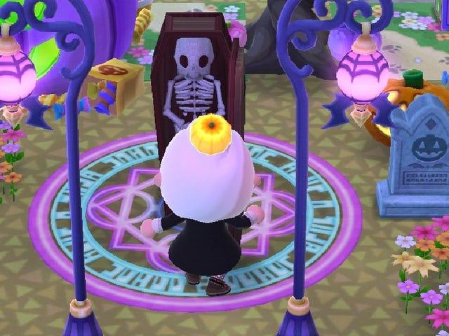 TAY: Halloween Forum