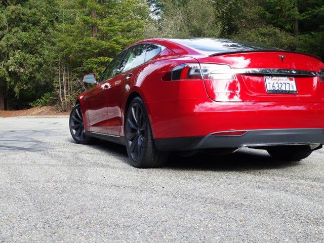 Tesla có thể phải hoàn trả mô hình Na Uy của nó S chủ sở hữu P85D 6.000 USD Mỗi