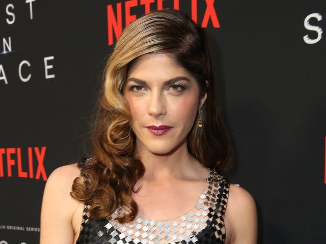 Selma Blair reveals that she's been diagnosed with multiple sclerosis
