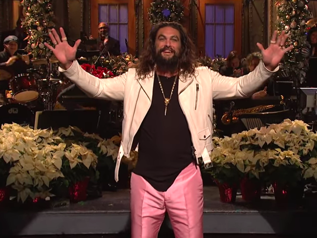 Jason Momoa rides out the storm of another rocky <i>Saturday Night Live</i>