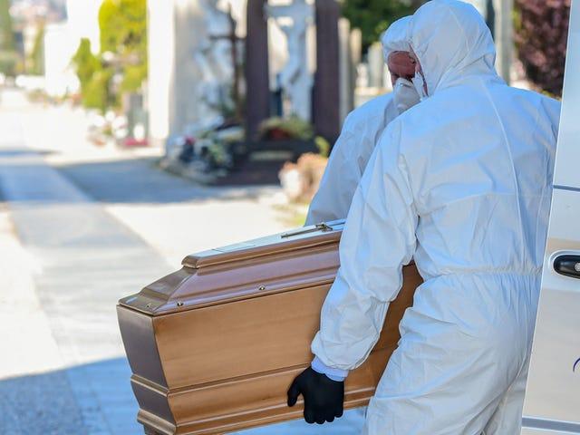CDC khuyên những người thế chấp rằng đã đến lúc chuyển sang tang lễ phát trực tiếp