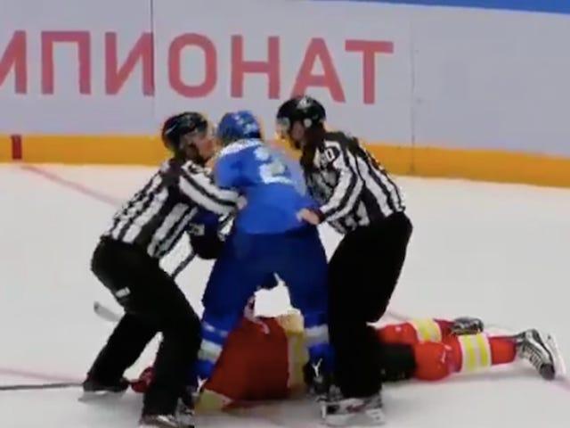 KHL Oyunu, Oyuncu Tüm Ekibi Yenmeyi Denedikten Sonra İptal Edildi