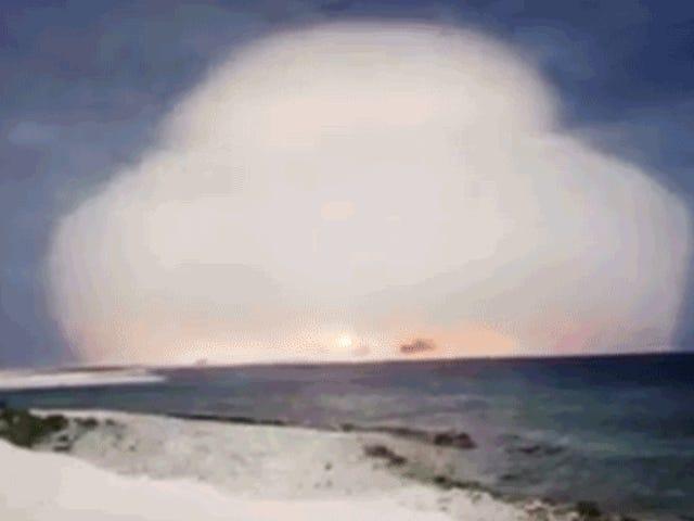Mendeskripsikan dengan kata lain tentang nucleares de la Guerra dari Spanyol dan YouTube yang YouTube oleh primera vez
