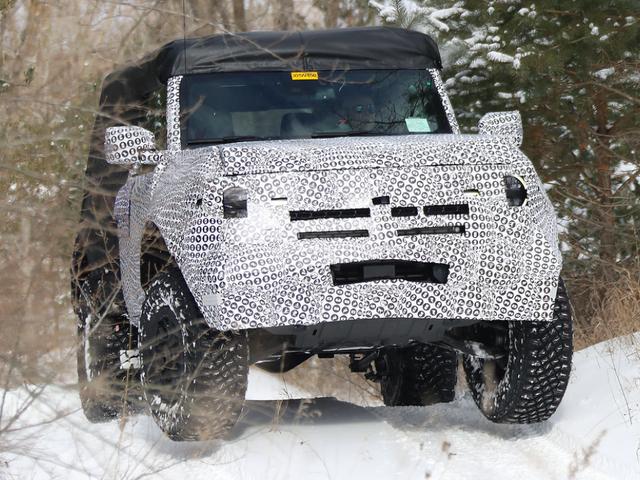 Le prototype Ford Bronco à deux portes 2021 ressemble à une bête tout-terrain dans ces nouvelles images