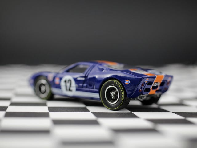 AutoWorld's 1:64 Ford GT40 in the better Gulf Livery