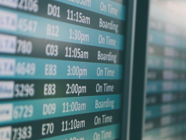 Bagaimana Menghindari Yuran Kad Kredit Apabila Anda Memesan Penerbangan Dalam Talian