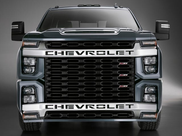 Emergency Photoshoppers Are Rushing In to Fix the Chevy Silverado HD's Face