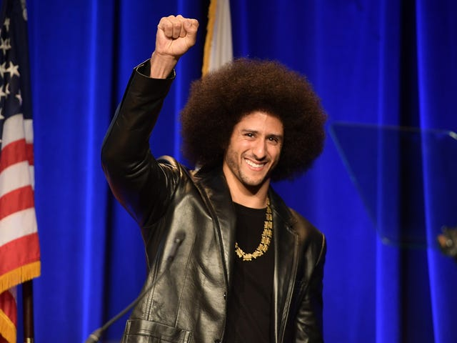 #ImWithKap: Nike's Market Value Jumps $3 Billion After Colin Kaepernick Gets Betsy Ross Sneakers Pulled From Shelves
