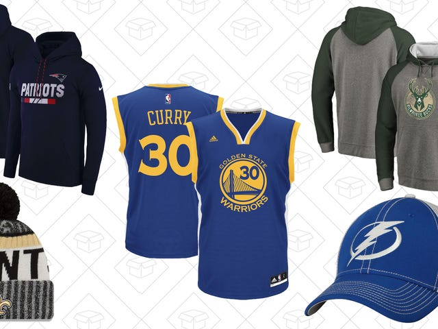 The Sports Fans In Your Life Will Appreciate Fanatics' Black Friday Deal Days