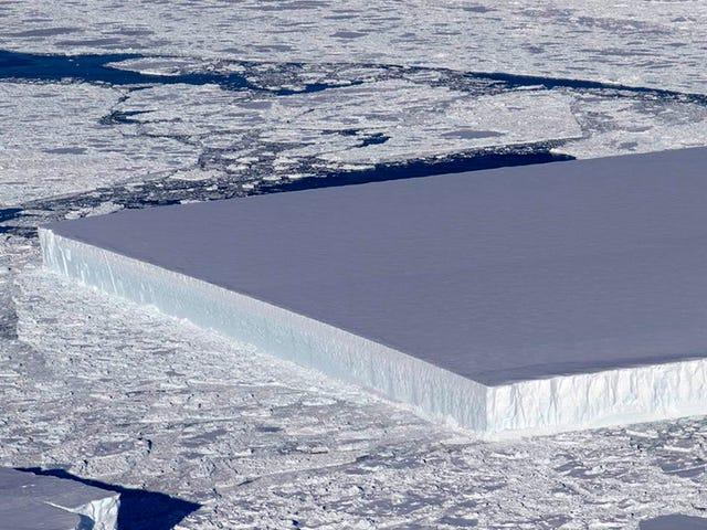 Esta enorme placa de hielo perfectamente rectangular es natural: así se forman los icebergs tabulares