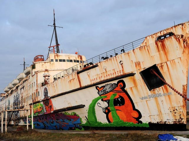 Rescatan 50 måder at rekreere, der er meget raras del interión de un barco abandonado
