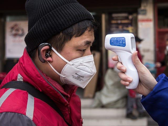 Apple và các công ty công nghệ khác bắt đầu thực hiện các biện pháp để đối phó với sự bùng phát của coronavirus