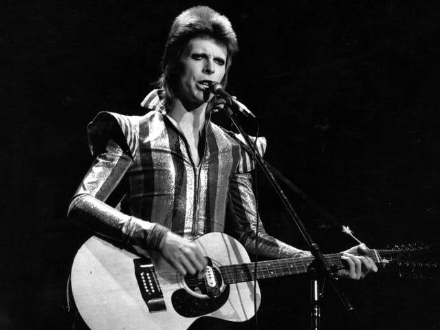 Fan Unearths Footage fra David Bowies 1972 Ziggy Stardust TV Debut-men kan teknikere genoprette det?