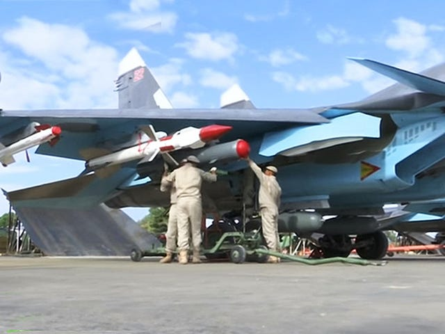 Russian Su-34 Fullbacks Fly First Syria Sorties Loaded With Air-To-Air Missiles