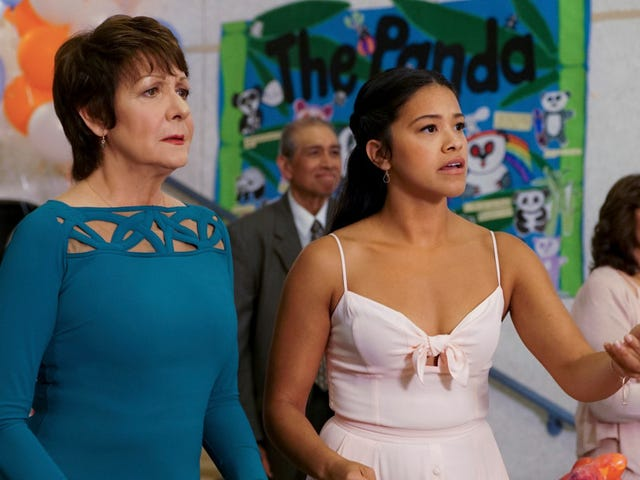 Jane The Virgin's big reunion is a whirlwind of joy, panic, and despair