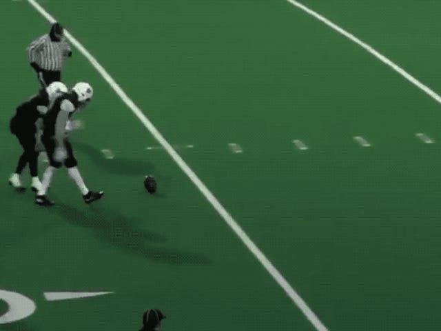 High Schooler Kicks Mesmerizing 70-Yard Punt På Clearly Flawed Field