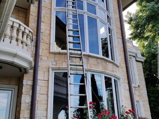 Appena applicato per lavori di lavaggio di finestre