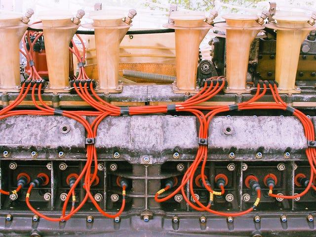 Tại sao động cơ 16 xi-lanh là động cơ huyền thoại, bi thảm nhất