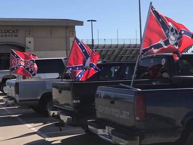 Paris, Texas, Adalah Tapak Perkauman Racial Lagi sebagai Flags Konfederasi Pop Up di Sekolah Menengah