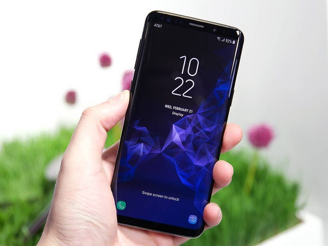 Some Galaxy S9 and S9+ Users Say Their Phones Suffer From Touchscreen Deadspots