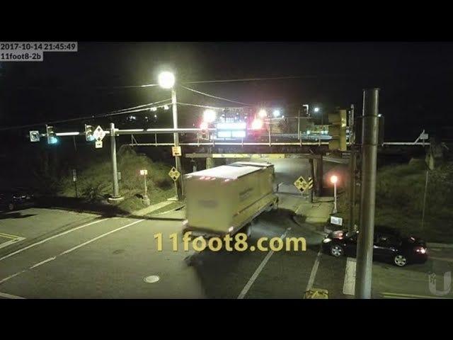 Мост Low-Ass дает красный свет Runner Вкус мгновенной кармы