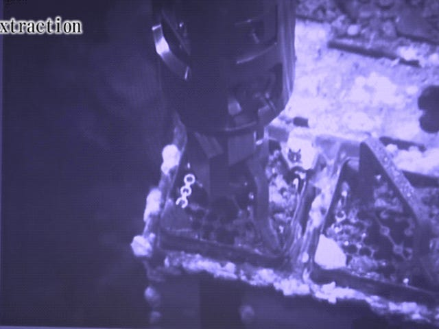 Nuclear Fuel Rod Removed From Stricken Fukushima Reactor for the First Time