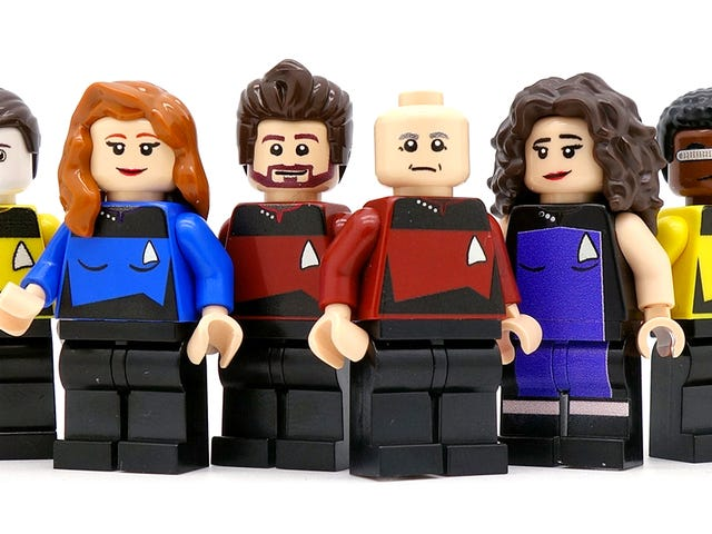 You Can Beam Whatever You Want From My Wallet for These Custom Star Trek: TNG Minifigures