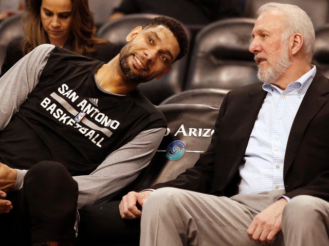 Remember The Time Tim Duncan Coached Up An Opposing Big Man During An NBA Game?