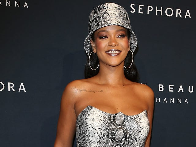 Our Beloved Fake Wife Rihanna Is 'Very Much Smitten' With Her Real Boyfriend, TYSVM