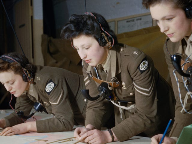 These Rare Color Photos From the Second World War Are Incredible