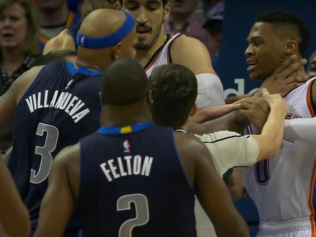 Russell Westbrook éjecté alors que Thunder et Mavs s'y engagent
