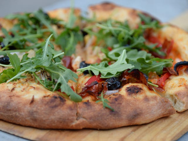 Why You Need a Cast Iron Skillet For Homemade Pizza