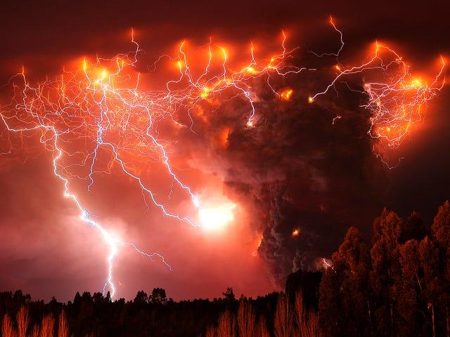 वैज्ञानिकों ने ज्वालामुखीय बिजली को ऐश आउट ऑफ केनन से नष्ट कर दिया