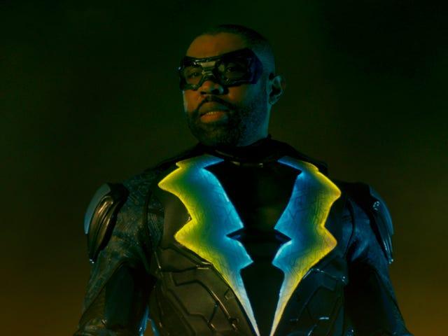 """보도에 따르면 Arrowverse의 """"무한 지구 위기""""에 검은 번개가 나타납니다"""
