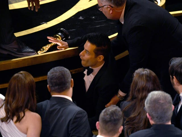 Rami Malek otti rumpuja Oscarille, mutta Hän on Okei!