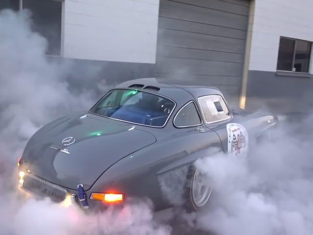 Paras 300SL Gullwing Replica on yksi, joka tekee Mad Burnoutsista