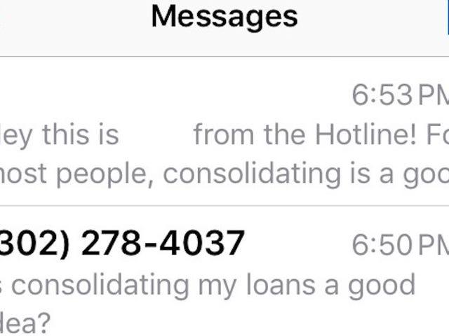 La ligne d'aide financière de LendEDU répond aux questions sur votre prêt étudiant par SMS