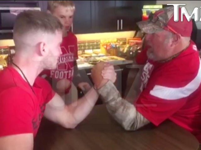 Larry The Cable Guy Snapped A Dude's Arm While Arm Wrestling [Graphic]