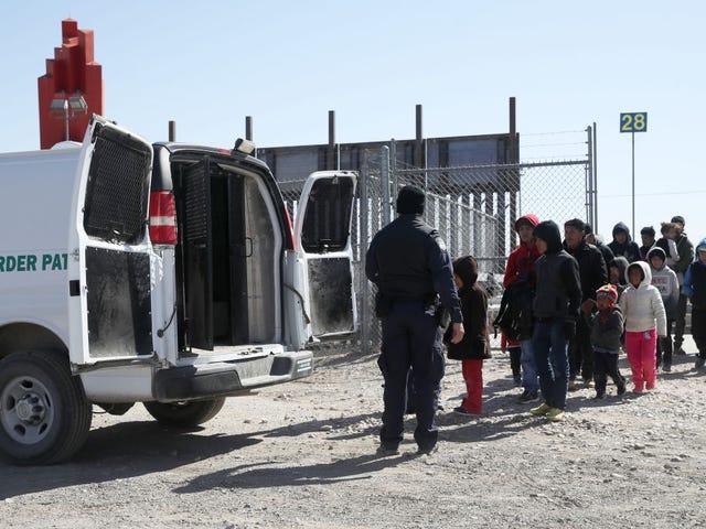 特朗普将移民送到庇护城市,因为国土安全部要求国防部提供边境援助