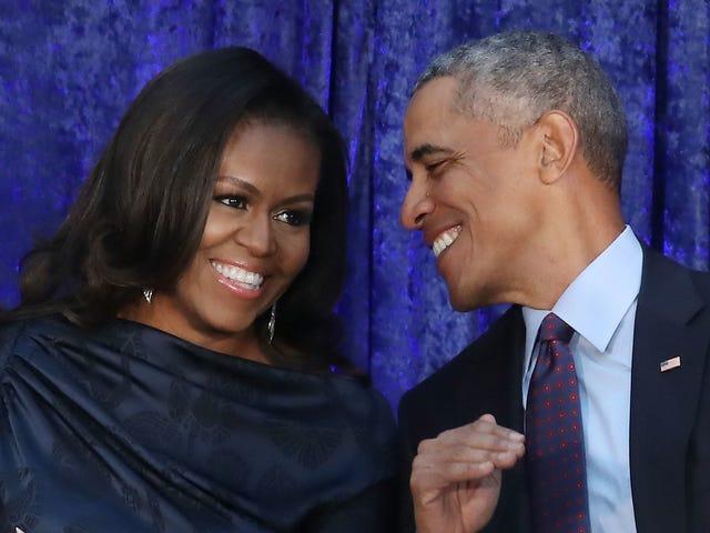 Президентский подкастинг: Барак и Мишель Обама подписали крупную сделку с Spotify