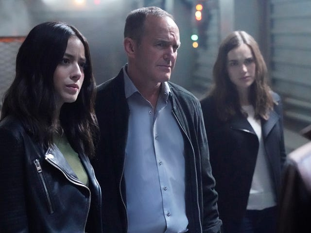 Agents Of S.H.I.E.L.D. is lost in space in a super-sized two-parter