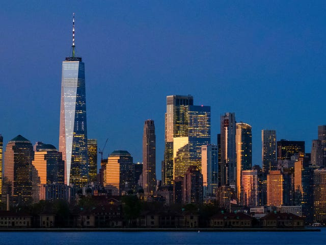 Нью-Йорк оплатит расходы на аборт для тех, кто путешествует из других штатов