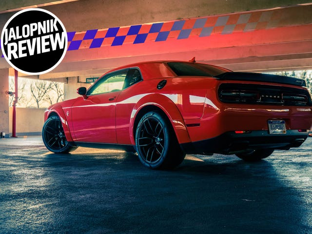 The 2018 Dodge Challenger SRT Hellcat Widebody Never Lets You Forget Who's Really In Control