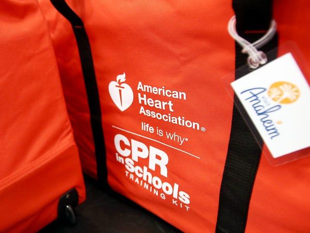 Prepárese para ser la persona que ayuda en una emergencia médica