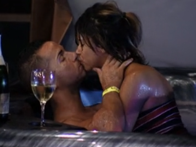 Jersey Shore, Abridged: The Situation Fucks in a Hot Tub, But the Emotional Void Remains