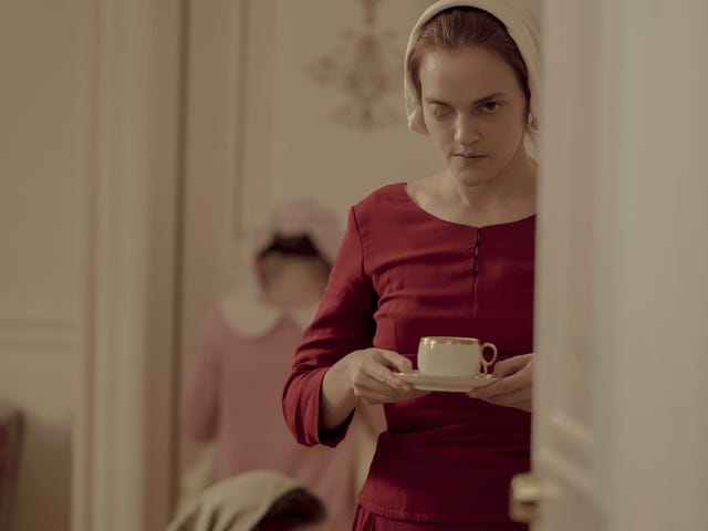"""<a href=https://tv.avclub.com/madeline-brewer-on-janine-s-return-to-the-handmaid-s-ta-1835425362&xid=17259,15700023,15700186,15700190,15700256,15700259,15700262 data-id="""""""" onclick=""""window.ga('send', 'event', 'Permalink page click', 'Permalink page click - post header', 'standard');""""><i>The Handmaid's Tale</i> पर मैडलिन <i>The Handmaid's Tale</i></a>"""