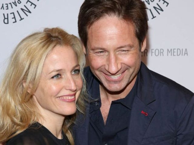 Gillian Anderson and David Duchovny guest on The X-Files Files