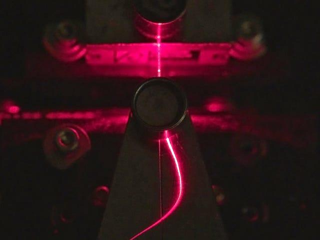 Les scientifiques ont fabriqué des câbles à fibres optiques en bois