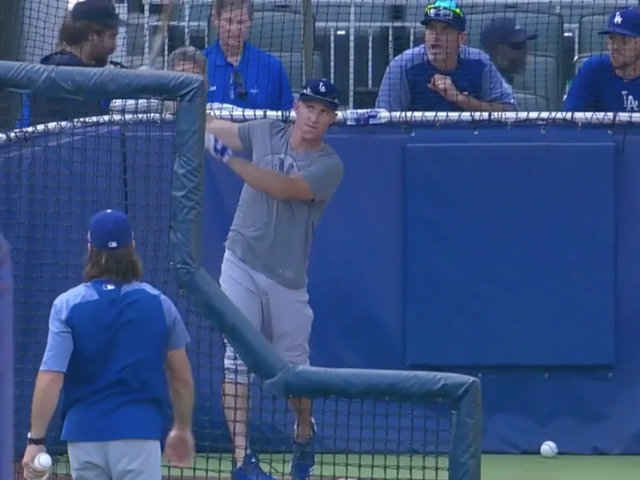 Braves Announcers Throw Exquisitely Awkward Tantrum Over Dodgers Batting Practice Attire
